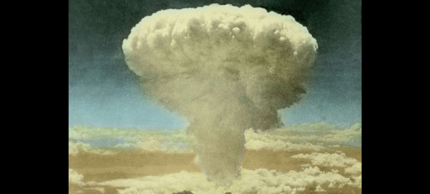 manhattan project the building of the atom bomb Most of feynman's stories about the bomb are about his hijinks but what did he really do on the manhattan project, and what did he think about the bomb.